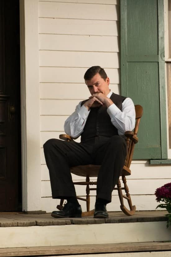 Primera imagen de Danny McBride en The Sound and the Fury dirigida por James Franco basada en la novela de William Faulkner. The Sound and the Fury es dirigida por James Franco, adaptada por Matt Rager y estelarizada por James Franco, Seth Rogen, Danny McBride, Jon Hamm, Joey King, Scott Haze, Keegan Allen, Ahna O'Reilly y Janet Jones.