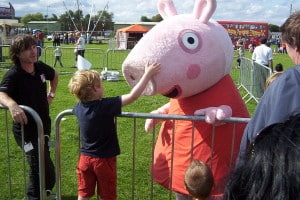 Peppa Pig en persona (2009) / Photo by ChrisTheDude - Creative Commons License