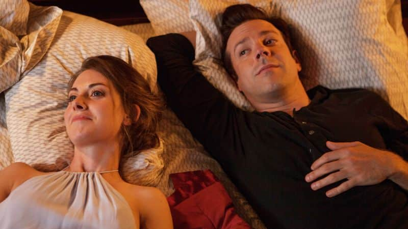Alison Brie y Jason Sudeikis protagonizan la comedia romántica 'Sleeping with Other People'.