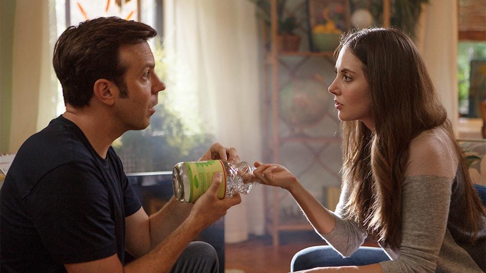 Jason Sudeikis y Alison Brie protagonizan la comedia romántica 'Sleeping with Other People'.