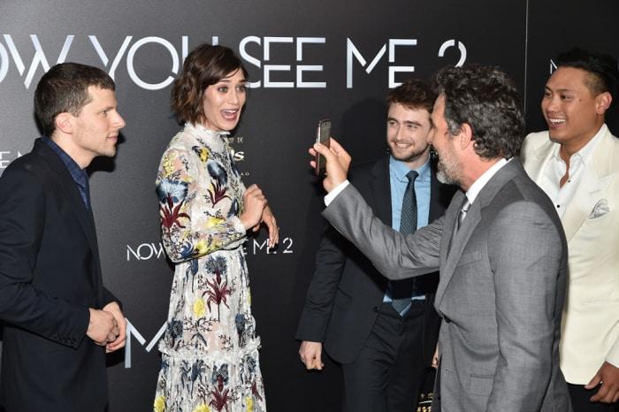 Jesse Eisenberg, Lizzy Caplan, Daniel Radcliffe y Mark Ruffalo