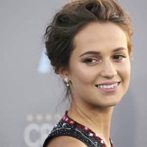 Warner Bros. confirma fecha de lanzamiento de reboot de 'Tomb Raider' y thriller 'Unforgettable'