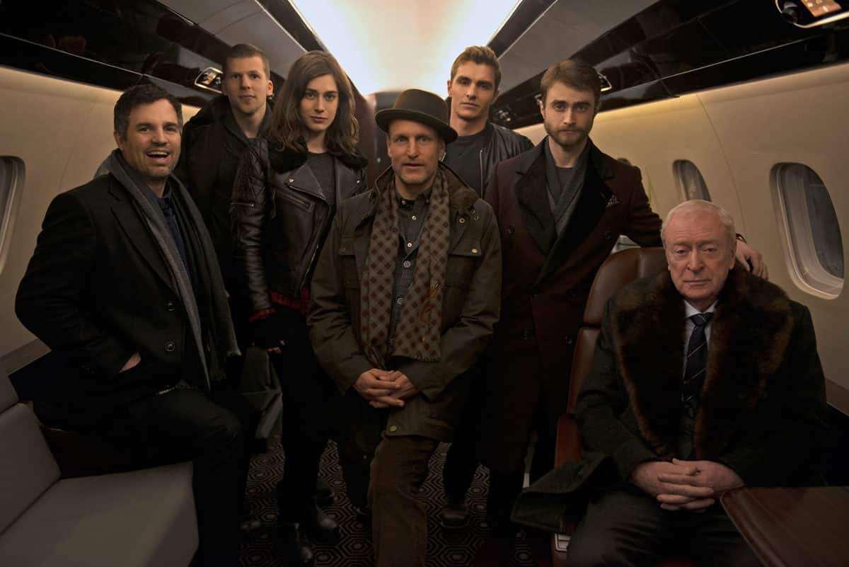 Mark Ruffalo, Jesse Eisenberg, Lizzy Caplan, Woody Harrelson, Dave Franco, Daniel Radcliffe y Michael Caine en Los Ilusionistas 2 (Now You See Me 2).