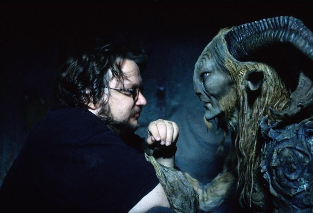 Guillermo del Toro y Doug Jones en el set de El Laberinto del Fauno, 2006. ©Picturehouse