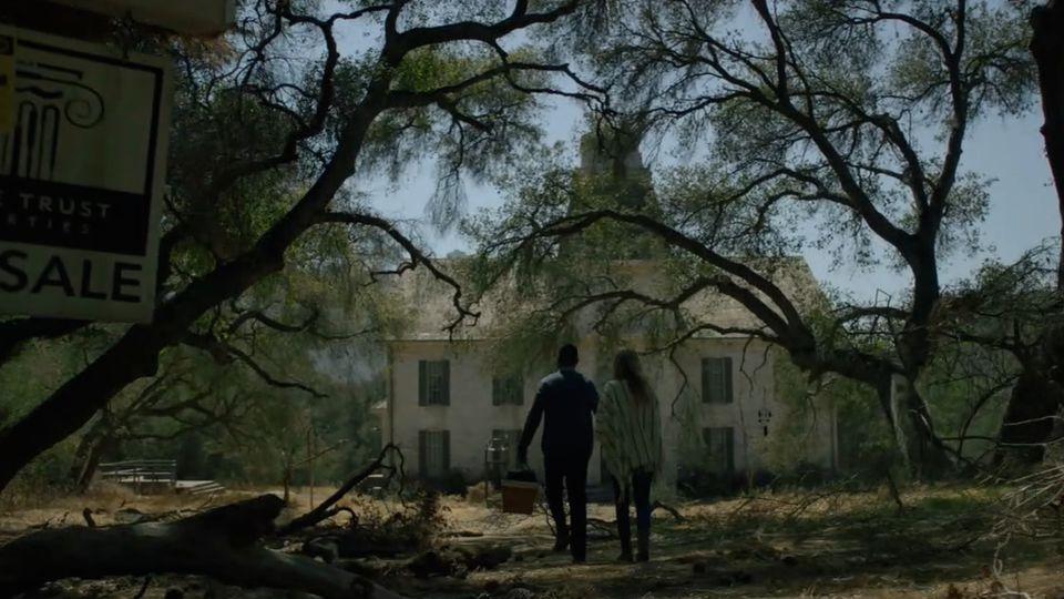american-horror-story-my-roanoke-nightmare-sarah-paulson-cuba-gooding-jr-02