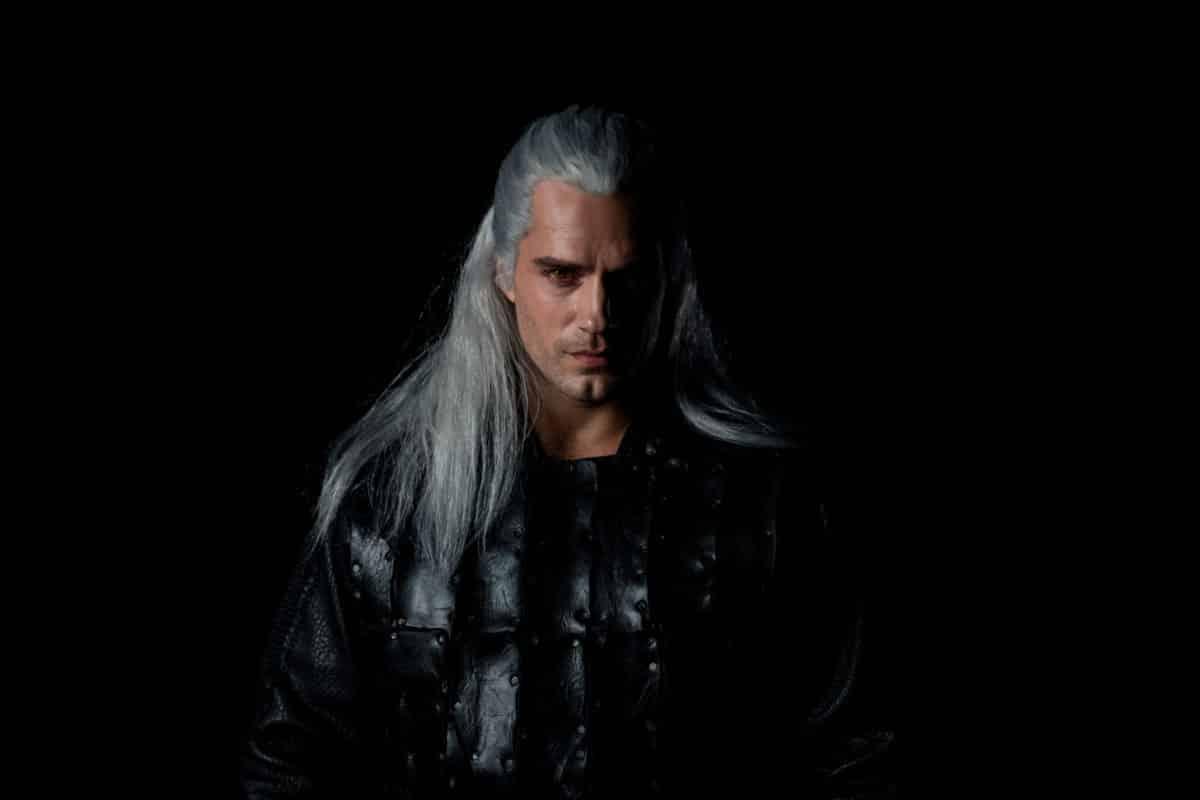 Primer vistazo a Henry Cavill como Geralt of Rivia en The Witcher de Netflix el gigante del streaming