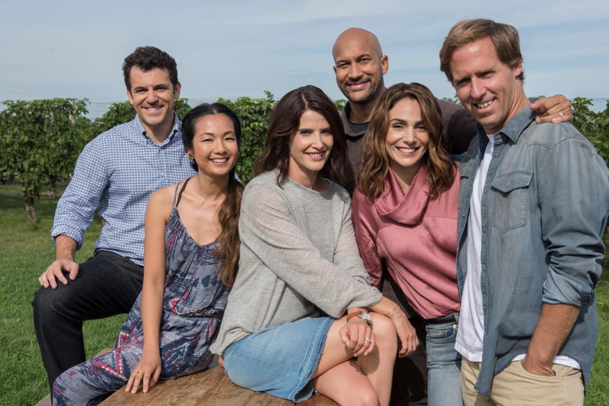 Netflix cancela Friends from College luego de dos temporadas al aire