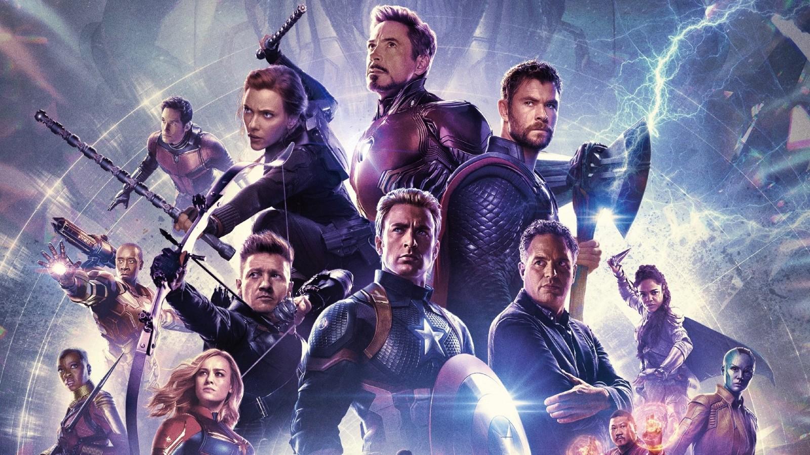 James Cameron felicita a Avengers: Endgame por 'hundir' su Titanic taquillero