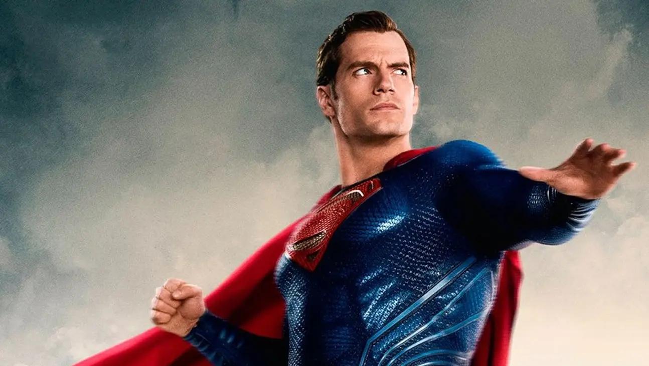 Henry Cavill en pláticas para retomar rol como Superman