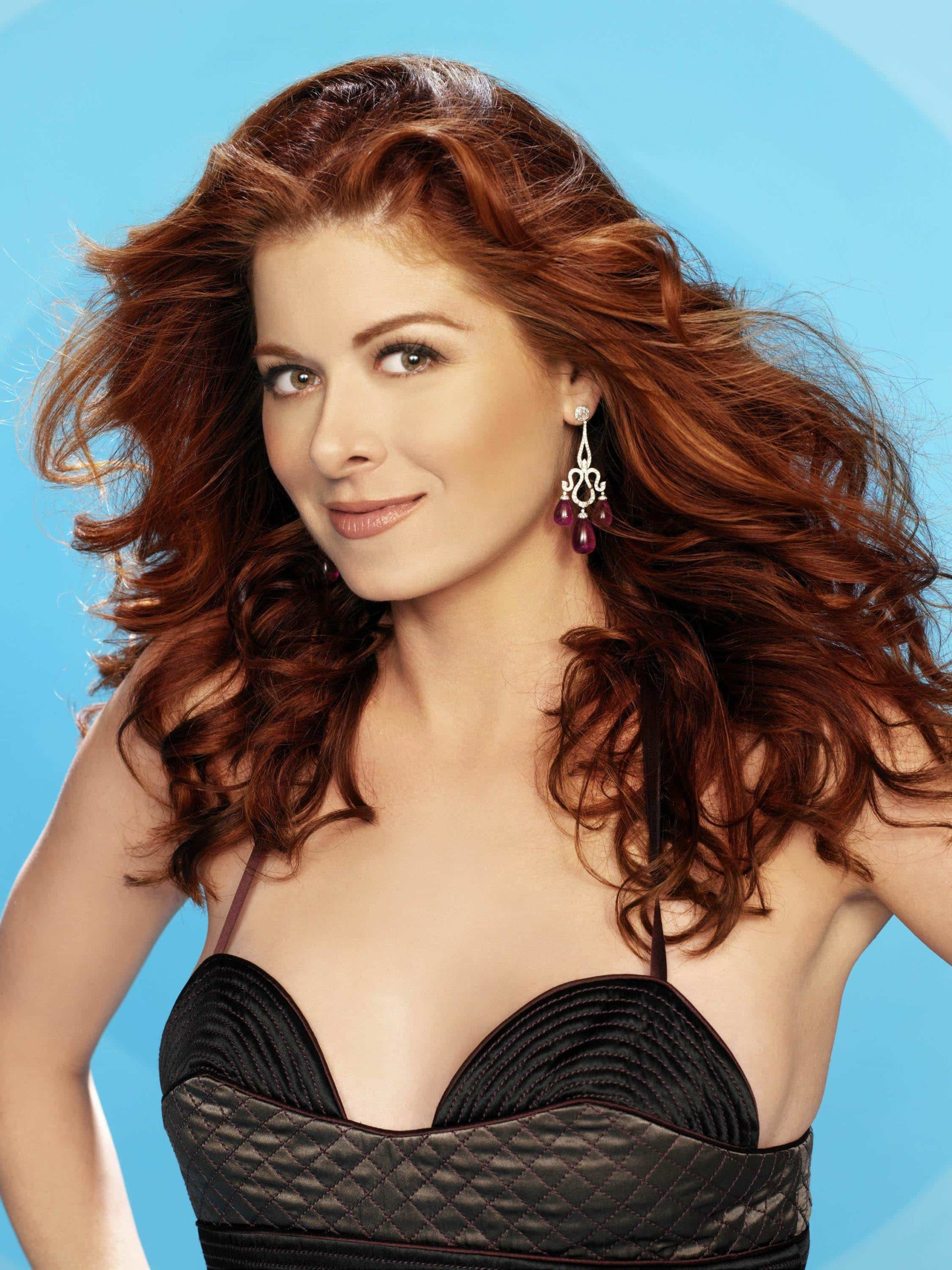 Debra-Messing-debra-messing-32317538-2250-3000