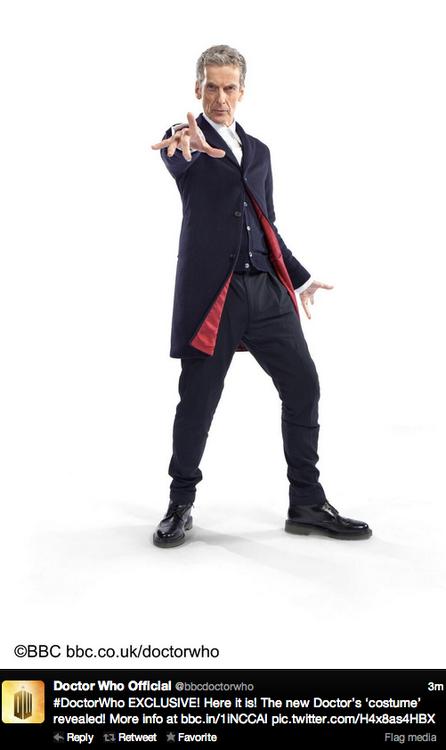 Peter Capaldi y su nuevo traje como Peter Capaldi