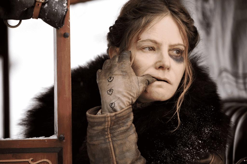 Jennifer Jason Leigh en Los 8 más Odiados