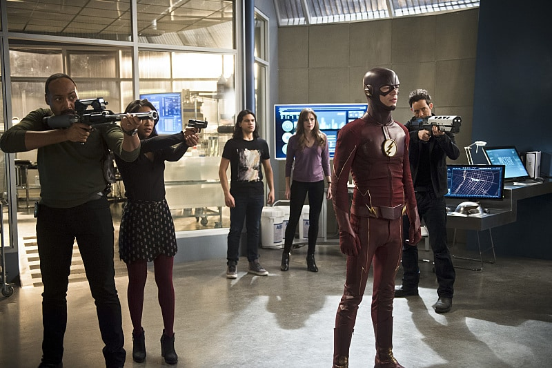 "The Flash -- ""Versus Zoom"" -- Image: FLA218b_0035b.jpg -- Pictured (L-R): Jesse L. Martin as Detective Joe West, Candice Patton as Iris West, Carlos Valdes as Cisco Ramon, Danielle Panabaker as Caitlin Snow, Grant Gustin as The Flash and Tom Cavanagh as Harrison Wells -- Photo: Diyah Pera/The CW -- © 2016 The CW Network, LLC. All rights reserved."