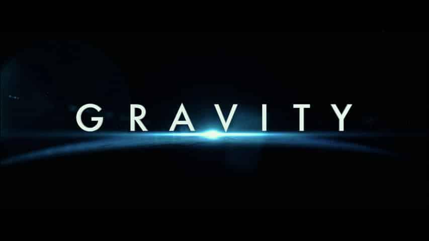 Imagen Promocional de Gravity de Alfonso Cuarón ganadora de 7 premios de la Academia. Gravity recibirá una nueva versión mas científica después de las críticas que recibió la cinta. Gravity es escrita y dirigida por Alfonso Cuarón y estelarizada por Sandra Bullock y George Clooney. En 2013 ganó 7 premios de la Academia incluído mejor director.