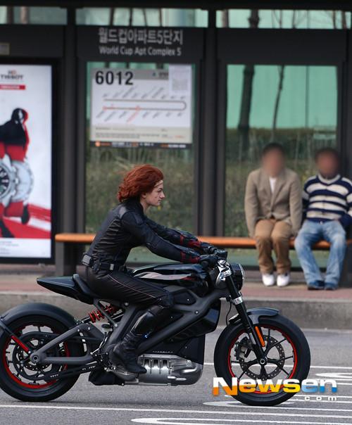 Black Widow AOU 6