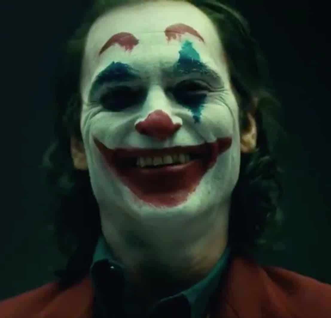 Joaquin Phoenix se convierte en el Joker en video teaser de Warner Bros.