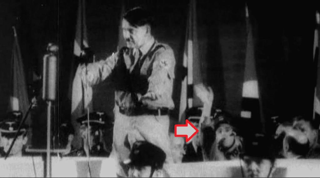 Leonard Zelig en un discurso de Hitler