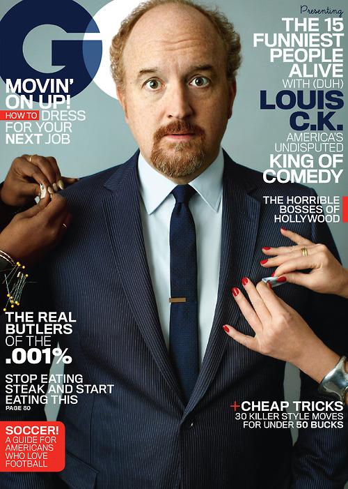Louis C.K. en la portada de GQ, por su trabajo en Louie de FX, Blue Jasmine y American Hustle