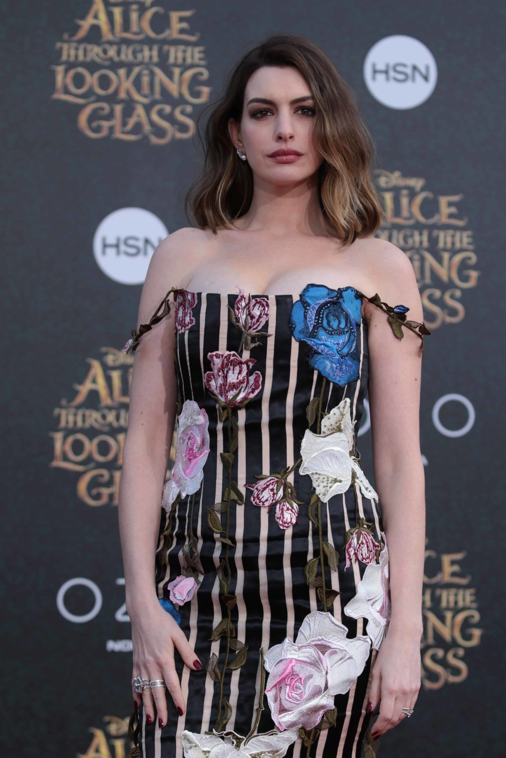 """Anne Hathaway arrives at The US Premiere of Disney's """"Alice Through the Looking Glass"""" at the El Capitan Theater in Los Angeles, CA on Monday, May 23, 2016. (Photo: Alex J. Berliner/ABImages)"""