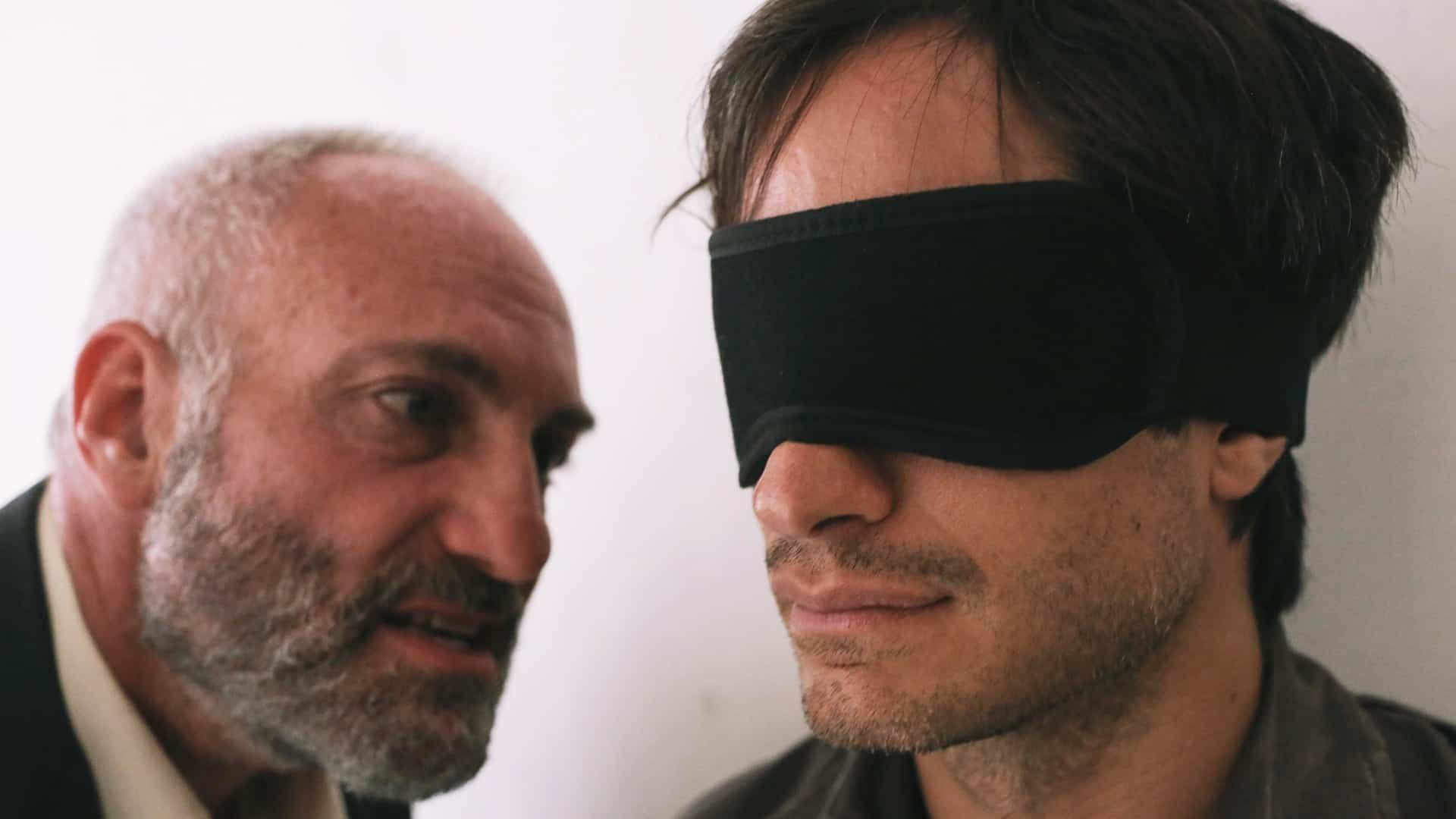 Kim Bodnia y Gael García Bernal en 'Rosewater'. FOTO © Open Road Films.