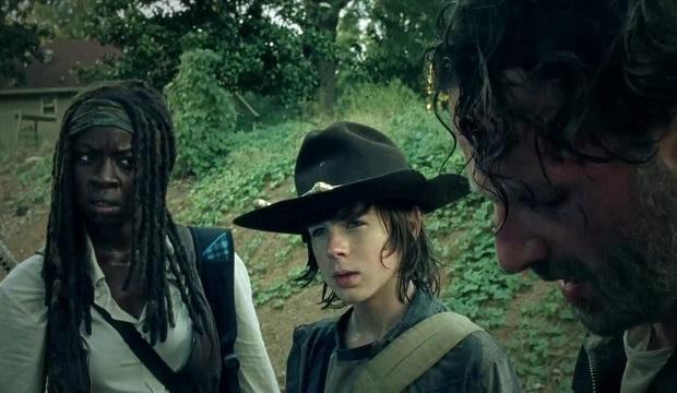 Rick (Andrew Lincoln), Michonne (Danai Gurira) y Carl (Chandler Riggs)