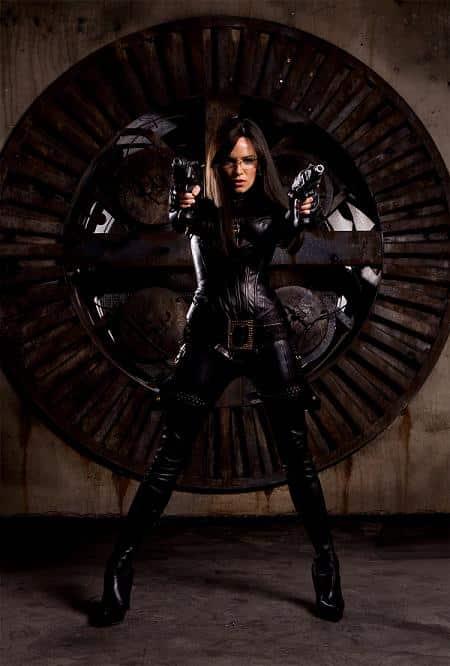 Sienna Miller como La Baronesa