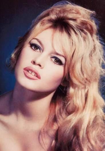 A los 39 años Brigitte abandonaría los escenarios.