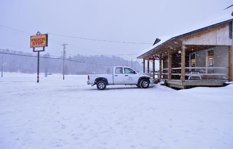Las frías locaciones en Canadá, aportan un toque de soledad a 'The Captive'. © 2014 - A24