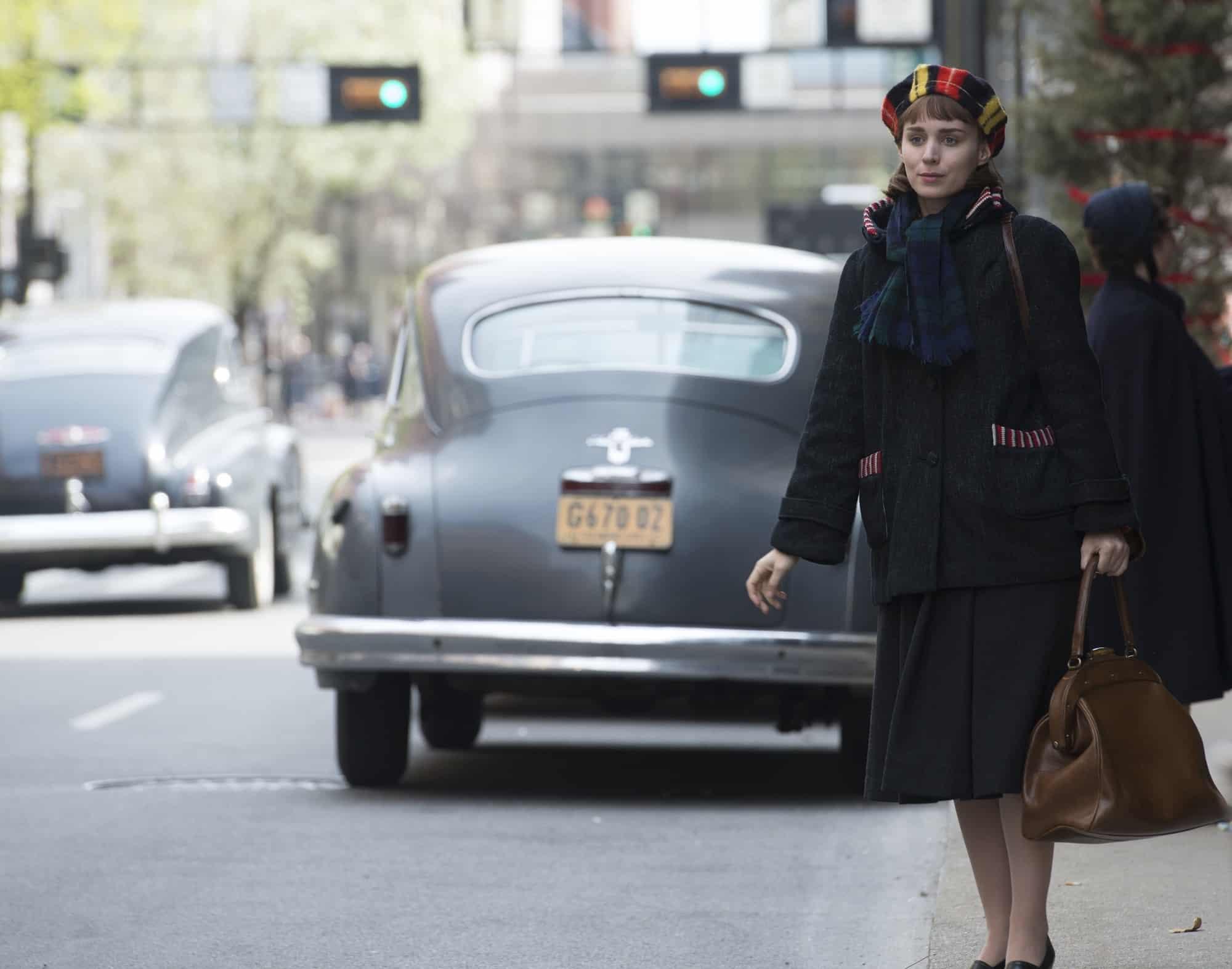 A Rooney Mara, su interpretación como Therese en 'Carol', le otorgó su segunda nominación al Óscar como Mejor Actriz de Reparto. © 2015 The Weinstein Company.