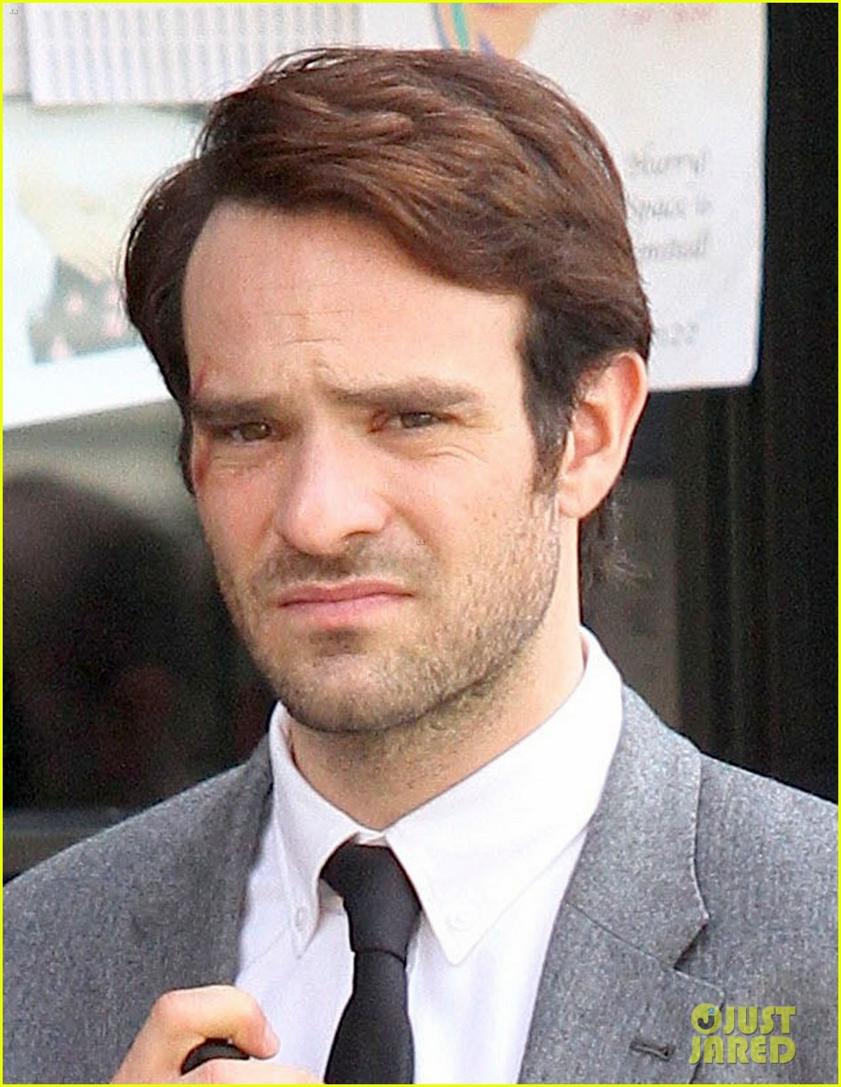 charlie-cox-in-daredevil-netflix-series-first-photos-03