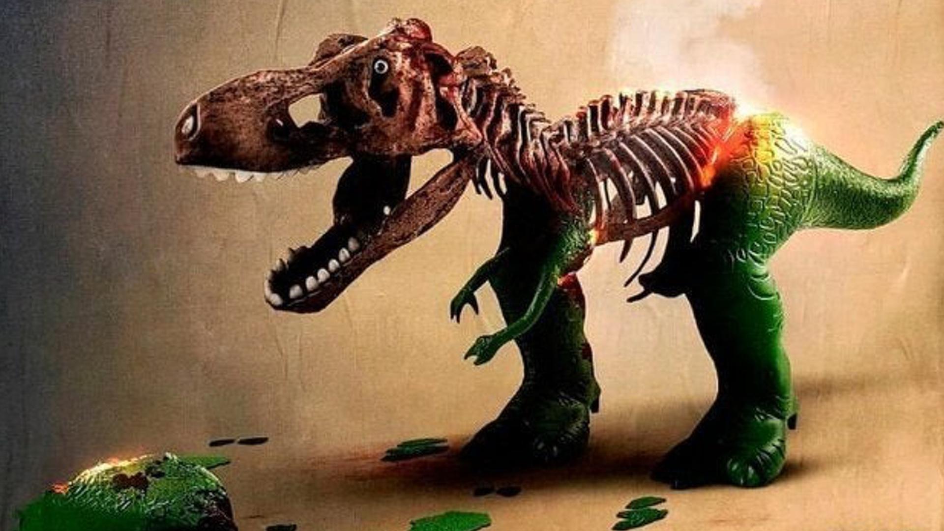 Chucky prende fuego a Rex de Toy Story 4 de Disney y Pixar