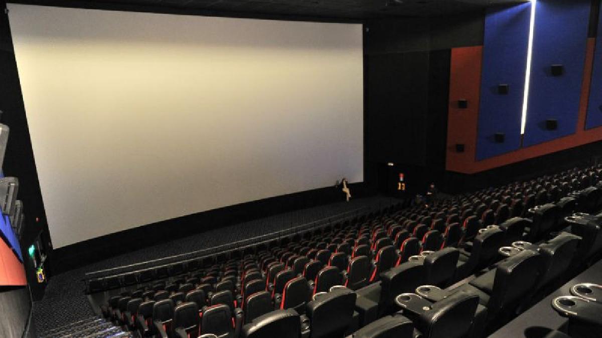 Los cines en EUA y Hong Kong reabren puertas al público