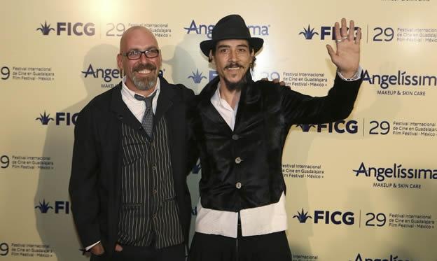 Sebastian del Amo (director) y Oscar Jaenada (Cantinflas) en la presentación de la película en el FICG. Foto: EFE