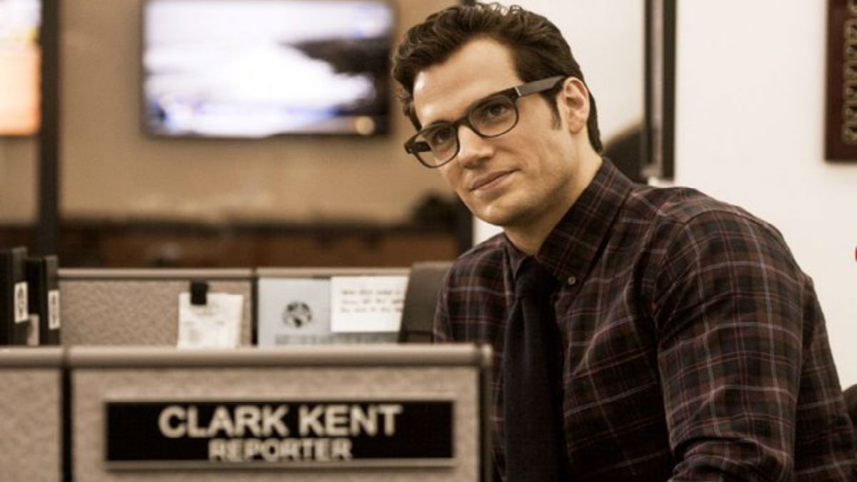 Henry Cavill en pláticas para retomar rol como Superman en el DCEU de Warner Bros