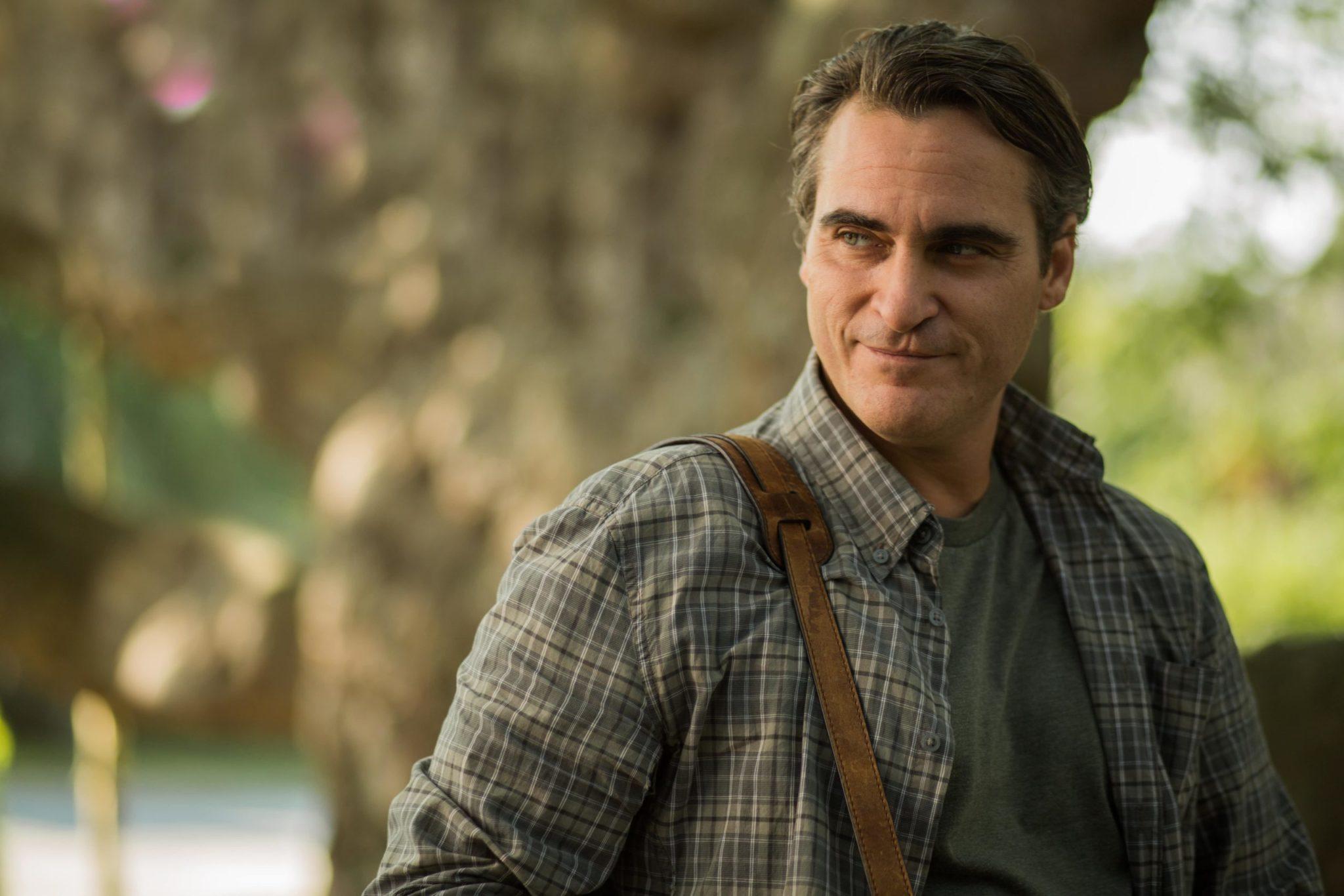 Joaquin Phoenix protagoniza la más reciente película escrita y dirigida por Woody Allen, 'Un Hombre Irracional' (Irrational Man), en cines 19 de febrero. © 2014 - W.A.S.P.