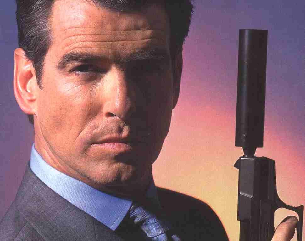 Pierce Brosnan como James Bond