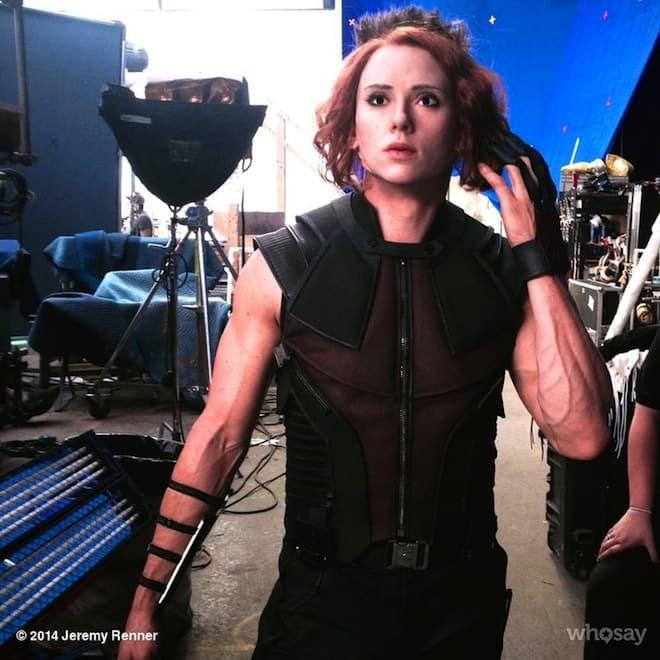 Jeremy Renner + Scarlett Johansson