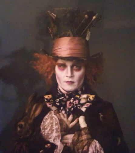 Johnny-Depp-as-the-Mad-Hatter-Tim-Burton-Alice-in-Wonderland