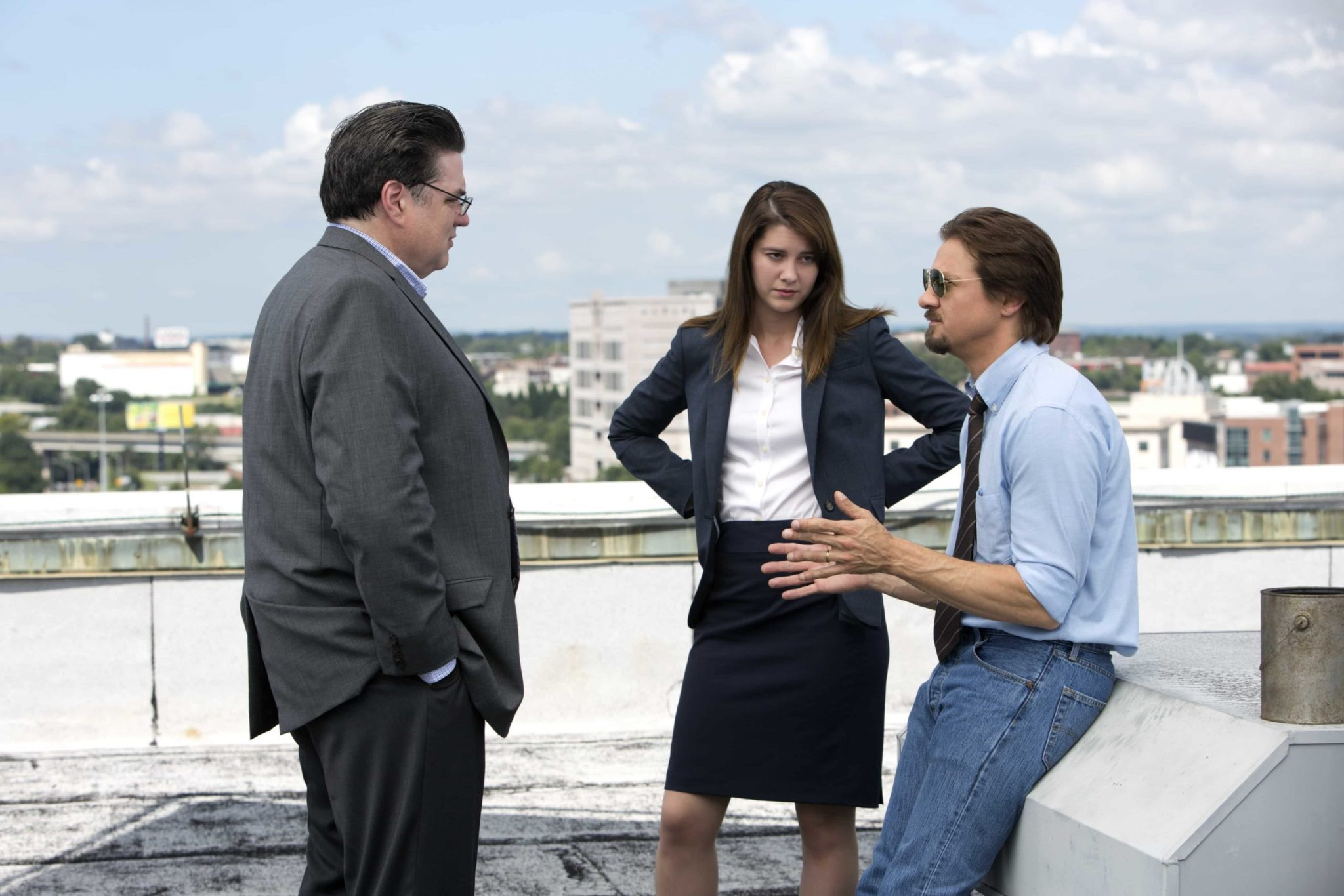 Oliver Platt, Mary Elizabeth Winstead y Jeremy Renner en 'Kill the Messenger'