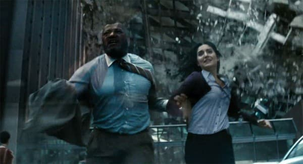 Laurence-Fishburne-and-Rebecca-Buller-in-Man-of-Steel-2013-Movie-Image-600x324