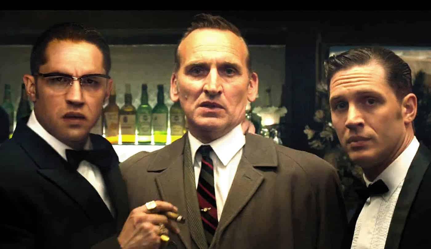 Christopher Eccleston es el detective Nipper Read, mientras Tom Hardy interpreta a los gemelos Reggie y Ron Kray en la cinta 'Legend'. © 2015 - Universal Pictures