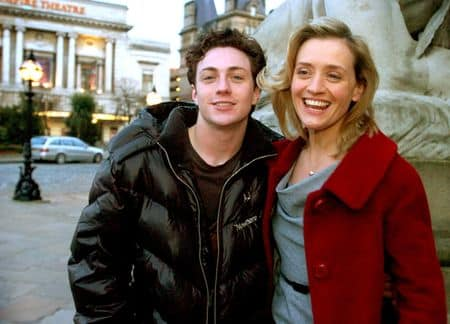 "Aaron Johnson y Anne-Marie Duff en ""Nowhere Boy"""