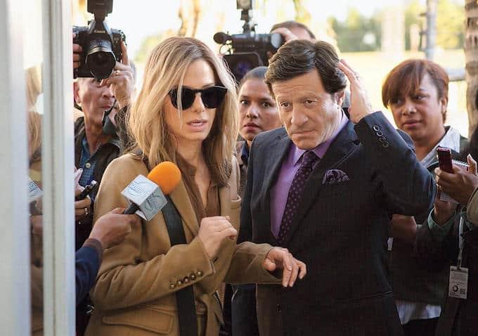 Sandra Bullock es Jane, una experta asesora política, al servicio del candidato presidencial boliviano, Castillo (Almeida). © 2015 Warner Bros. Entertainment Inc. and Ratpac-Dune Entertainment LLC.