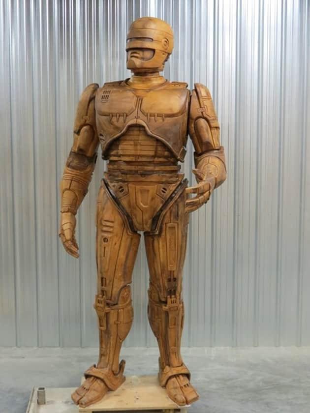 robocop-statue-3