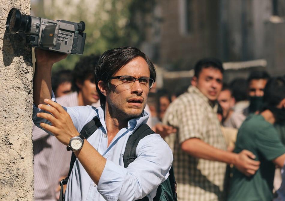Gael García Bernal interpreta al periodista Maziar Bahari secuestrado y torturado en 2009 por el gobierno iraní. FOTO © Open Road Films.