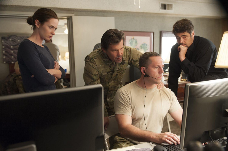 Emily Blunt, Josh Brolin, y Benicia del Toro en Tierra de Nadie: Sicario