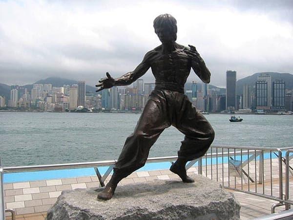 Estatua de Bruce Lee, en la Avenida de las Estrellas, Hong Kong