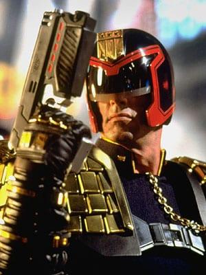 Sylvester Stallone como el uez Dredd