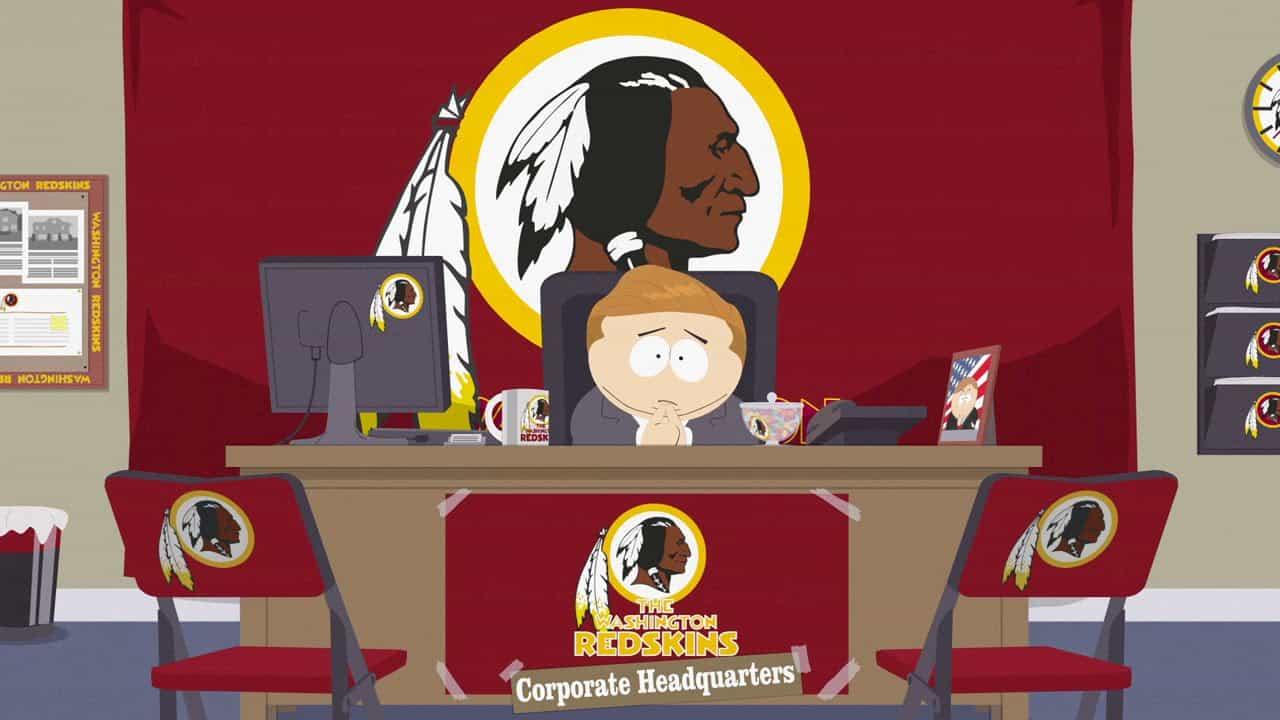 Imagen promocional de South Park y su episodio estreno de la temporda 18 de Comedy Central. South Park parodiará a los Redskins de Washington y sus problemas legales después de los problemas con el nombre Redskins en Estados Unidos. South Park es creado por Tray Parker y Matt Stone para Comedy Central, y nos traen su 18va temporada.