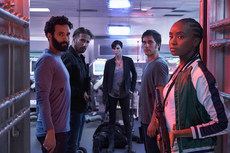 Mucha acción y Charlize Theron en primer tráiler de Old Guard de Netflix